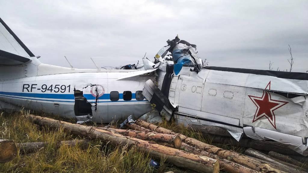 16 Tote und viele Verletzte bei Flugzeugabsturz in Russland