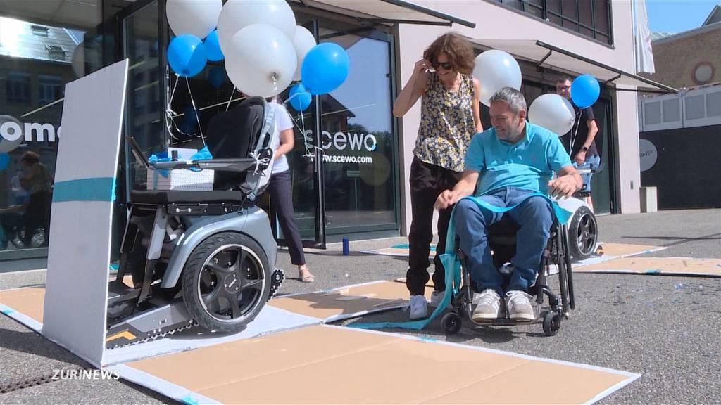 Treppentauglicher Rollstuhl: Tetraplegiker über neue Mobilität überglücklich