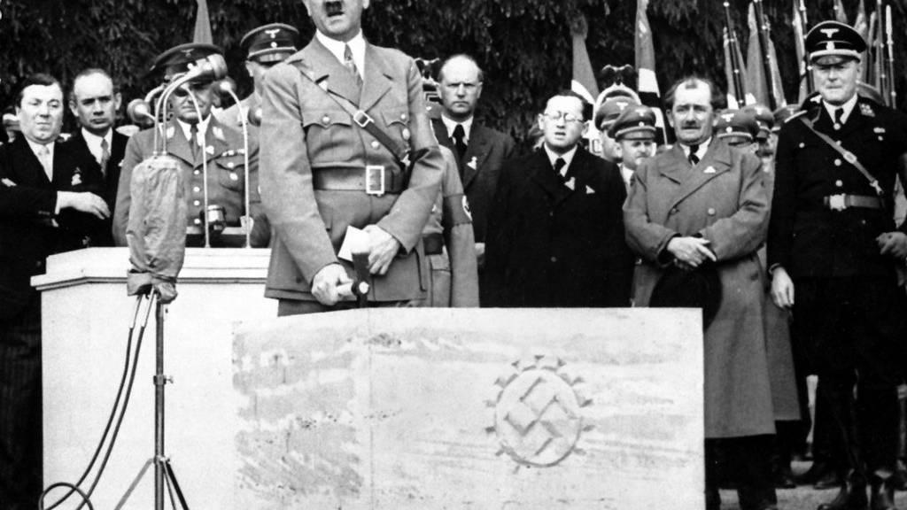 Endlich sicher: Hitler hatte nur einen Hoden - FM1Today