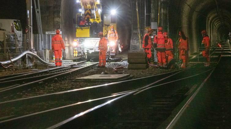Zwischen Stansstad und Engelberg fahren wieder Züge – dank 380 Bauarbeitern