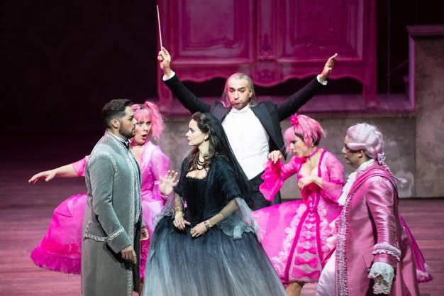 In Genf wird bereits gespielt: Rossinis «Cenerentola» überzeugte musikalisch mehr als szenisch.