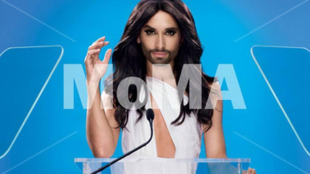 Die österreichische Drag-Queen Conchita Wurst schaffte es auf ein Plakat des Museum of Modern Art in New York (zVg)