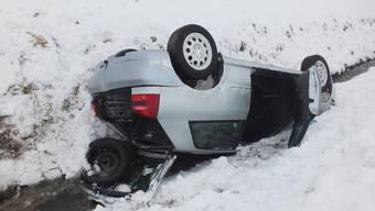 19-Jähriger lässt Auto nach Selbstunfall im Bach liegen