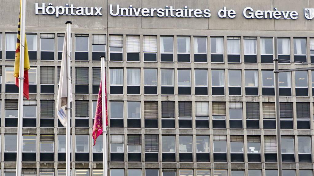 Daten zu Röntgenuntersuchungen von rund hundert Patienten sind vom Computernetz des Genfer Unispitals auf einen weniger gut geschützten Computer verschoben worden. (Archivbild)