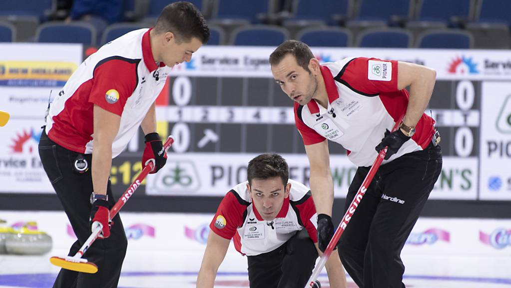 Die Genfer Curler um Skip Peter De Cruz (Mitte) steigen optimistisch in die WM in Calgary.