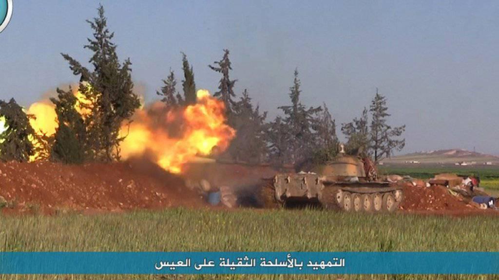 Kämpfe bei der Stadt Telat al-Eis in der Provinz Aleppo. (Archivbild)