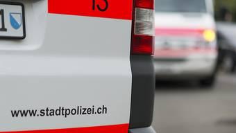 Die Stadtpolizei sucht Zeugen: am 12. März wurde ein PKW angehalten und demoliert