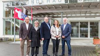 Der Gemeinderat (vl): Marcel Müller, Simonetta Cator Stirnemann, Gemeindeammann Roland Huggler, Nadine Widmer, André Kreis