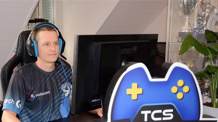 «Das Gamen wird sehr stigmatisiert», sagt Manuel Oberholzer. Dabei müsse ein professioneller Gamer – wie im Spitzensport – einen gesunden Lebensstil führen.