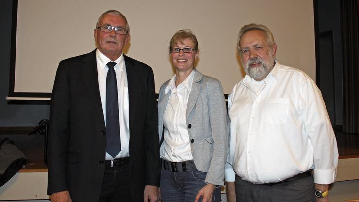 Der scheidende Präsident Max Wolf, Nachfolgerin Sandra Huber und Eduard Gilomen, nicht mehr gewählter Gemeinderat (von links).