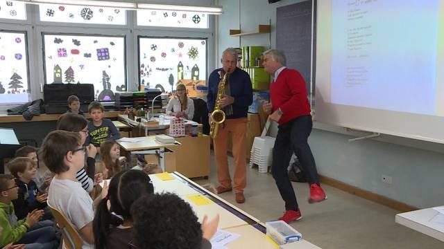 Pepe Lienhard und Pino Gasparini rocken das Klassenzimmer