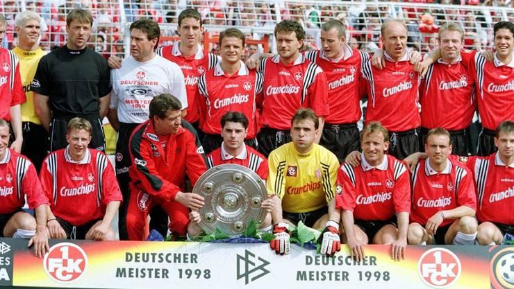 Mit Kaiserslautern holt Ciriaco Sforza (die Schale haltend) 1998 den deutschen Meistertitel.