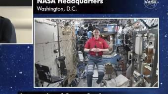"""Nach Hause telefonieren: US-Schauspieler Brad Pitt lässt seine Leistung als Astronaut im Film """"Ad Astra"""" von einem echten Raumfahrer bewerten."""