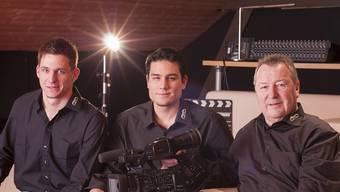 David Henzmann und Wing Lung Choong übernehmen die Videofilmproduktionsfirma von Firmengründer Urs Huber (rechts). ZVG