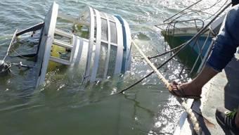 Gesunkenes Schiff auf dem Amazonas-Zufluss Xingú.