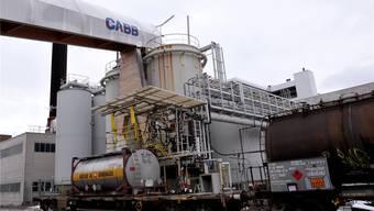 Die Herstellung von Chlor und Chlorprodukten – beispielsweise für Agrar-Chemikalien – ist das Kerngeschäft der Cabb in Pratteln. Archivbild