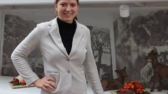 Mit frischer Motivation und einer Portion Kampfgeist: Chiara Frapolli, die neue Geschäftsführerin des Sommerau-Ticino an ihrem Lieblingsort im Restaurant. Bild: Lydia Lippuner