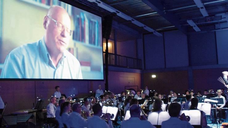 Das Timing des Dirigenten Michel Byland und des Orchesters musste haargenau stimmen, damit der Dokumentarfilm beim Publikum richtig wirken konnte.