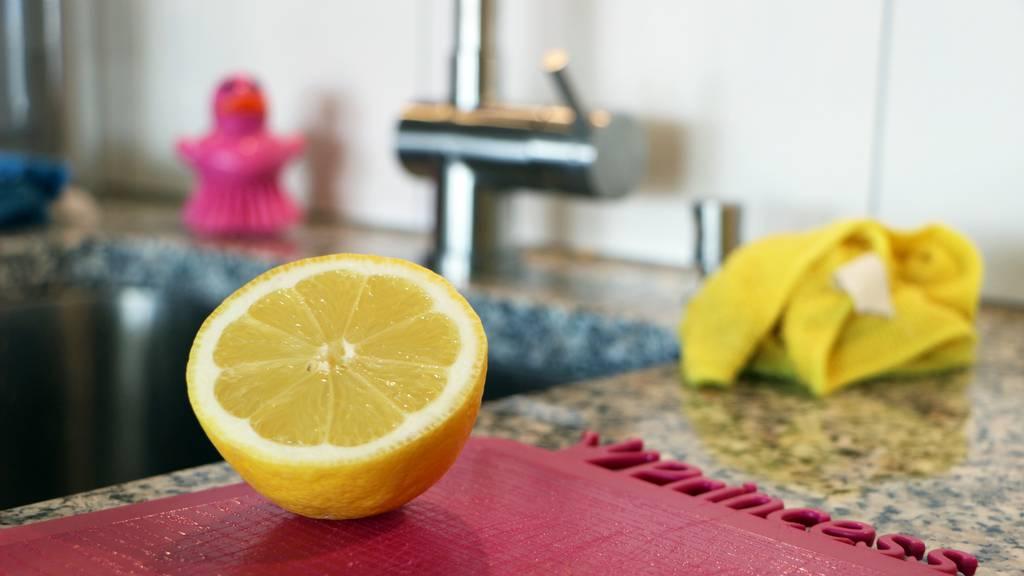 Die Tester Folge 2 mit Zitrone Kalkflecken Wasserhahn putzen