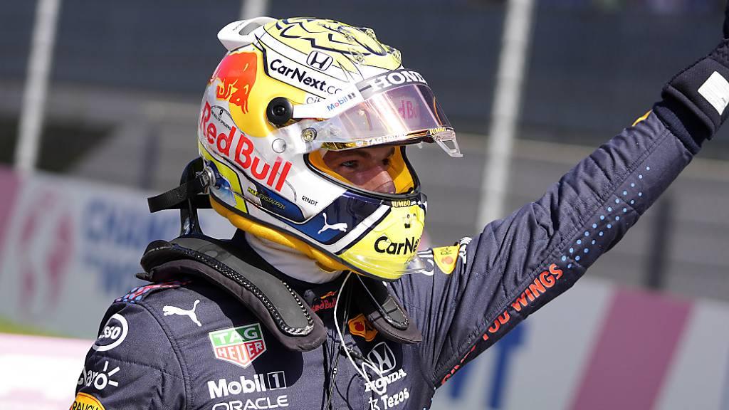 Daumen hoch: WM-Leader Max Verstappen feiert in Spielberg einen souveränen Start-Ziel-Sieg