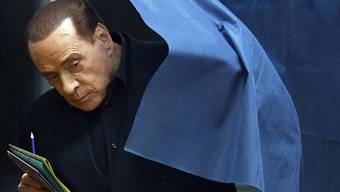 Aus scheinen die Zeiten des schwerreichen Politreptils. Silvio Berlusconis Partei «Forza Italia» erlitt am Sonntag eine Wahlschlappe.