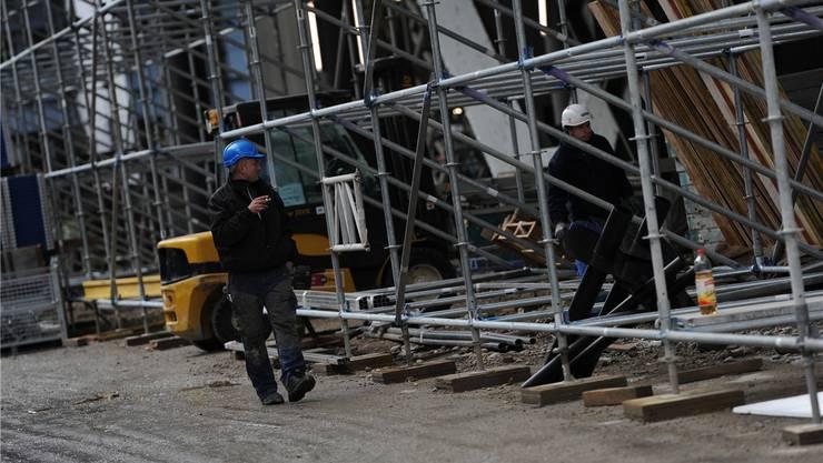 Auf der Messebaustelle sollen auch die Arbeitsbedingungen der Elektriker illegal sein, schreibt die Unia. Juri Junkov (Archiv)