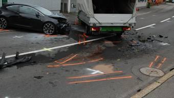 Fünf Personen bei Autocrash in Menzingen ZG verletzt