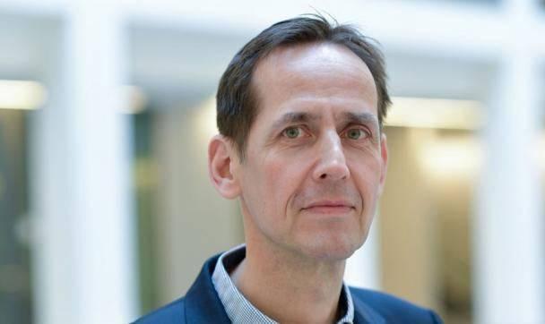 Frank Heppner, Direktor des Instituts für Neuropathologie.