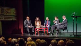 (v.l.) Michael Hug als Moderator mit Eva Gauch (Altes Spital), Kurt Fluri (Stadtpräsident), Reina Gehrig (Literaturtage) und Tourismus-Direktor Jürgen Hofer.