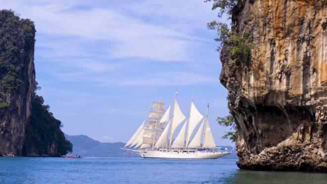Pittoreske Natur: Fahrt der «Star Clipper» durch die Gewässer zwischen den thailändischen Ao Phang Nga Islands.