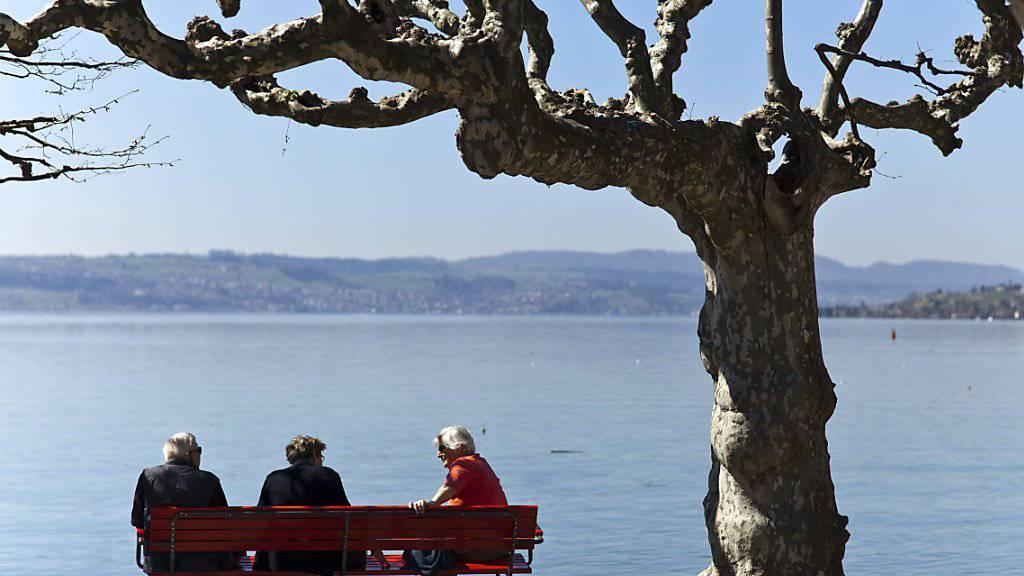 Die CVP kämpft mit anderen bürgerlichen Parteien für die Reform der Altersvorsorge. Diese würde künftigen Rentnerinnen und Rentnern einen AHV-Zuschlag von 70 Franken bringen. (Symbolbild)