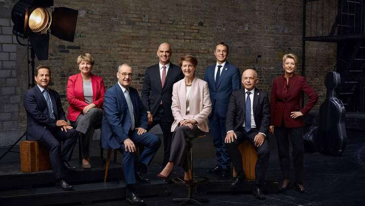 Die Landesregierung als Musikensemble: Das offizielle Bundesratsfoto 2020 mit der neuen Bundespräsidentin Simonetta Sommaruga in der Mitte.