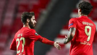 Rafa Silva (links) und Darwin Nunez (rechts) erzielten für Benfica Lissabon die späten Tore gegen die Glasgow Rangers vom 1:3 zum 3:3