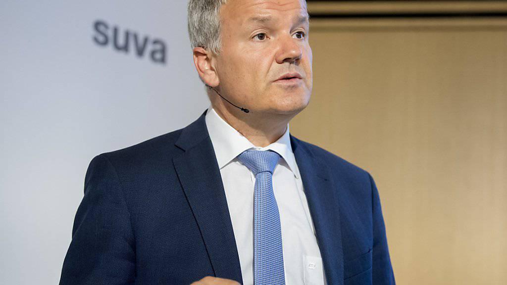 Felix Weber, Vorsitzender der Suva-Geschäftsleitung, an der Bilanzmedienkonferenz in Luzern.
