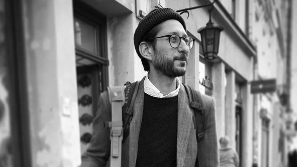HANDOUT - Dieses Foto zeigt den in Myanmar inhaftierten Danny Fenster, US-Journalist, im September 2019 in Krakau, Polen. Der vor mehr als drei Wochen inhaftierte US-Journalist steht erstmals vor Gericht. Foto: Byron Fenster/Byron Fenster/AP/dpa
