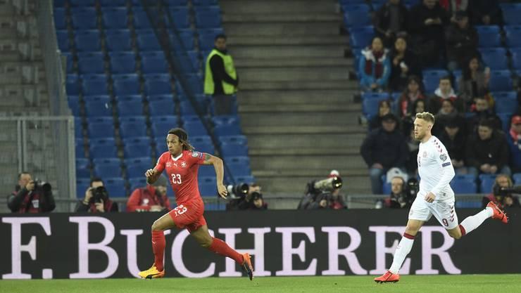 Viele leere Plätze im Joggeli. Nur knapp 19'000 Zuschauer wollten die Schweizer Nati sehen.