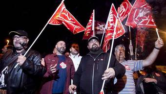 Gewerkschafter zu Beginn des 24-Stunden-Streikes im südspanischen Cordoba