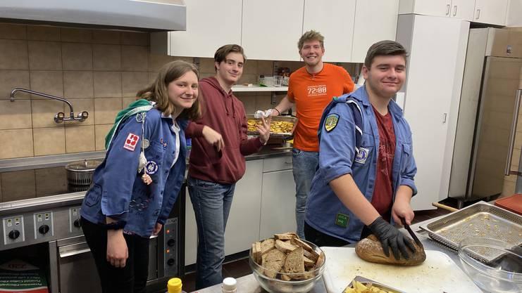 In Urdorf setzte man sich unter dem Motto «Das kann man noch brauchen!» zum Ziel, 72 Kilo Lebensmittel und 72 Gegenstände vor der Mülltonne zu retten.