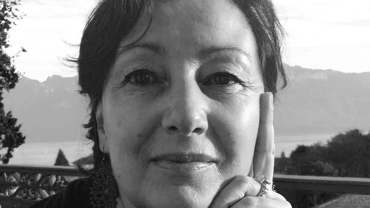 Martine Felber wird für ihre Arbeit als Maskenbildnerin ausgezeichnet.