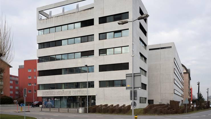 Drohung und Beschimpfung: Das Dietiker Bezirksgericht verhängte eine bedingte Geldstrafe.