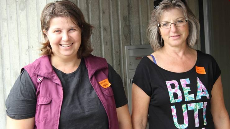Marianne Nyfeler (links) und Louise Culmone betreuen die Ludothek.