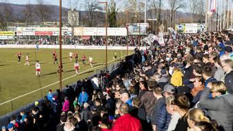 Wenns dem Heimteam läuft und die Sonne scheint, strömen die Zuschauer zahlreich ins Aarauer Brügglifeld.
