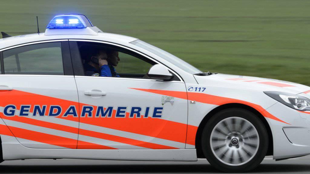 Die Kantonspolizei Waadt hat in der Nacht auf Sonntag einen Brand in einer Klinik in Nyon VD bestätigt. (Symbolbild)