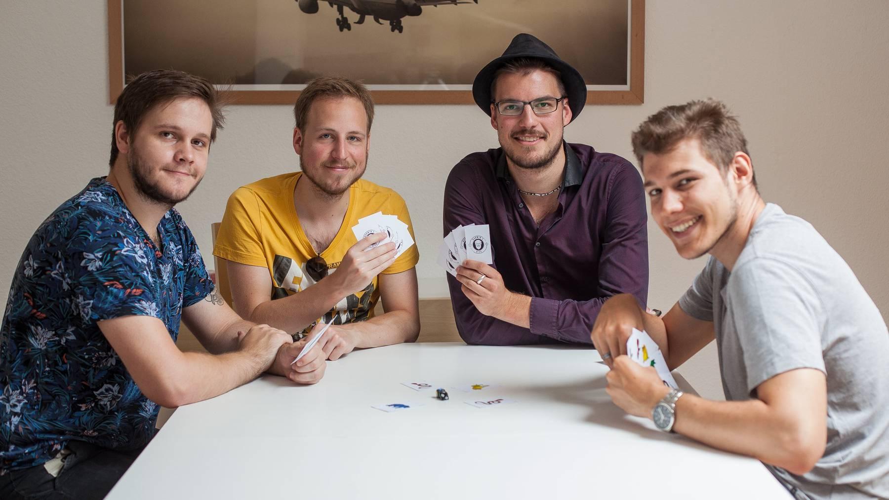Die Erfinder beim Spiel: Pierre Lippuner, Fabian Engeler, Stefan Weisskopf, Pascal Frick (v.l.)