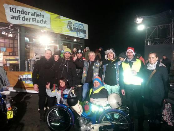 """2016: Auch für """"Jeder Rappen zählt"""" sammelt die Töffligang Spenden."""