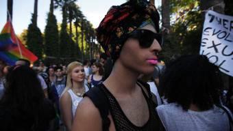 Ein Teilnehmer des ersten Gay-Pride-Umzuges in Zypern