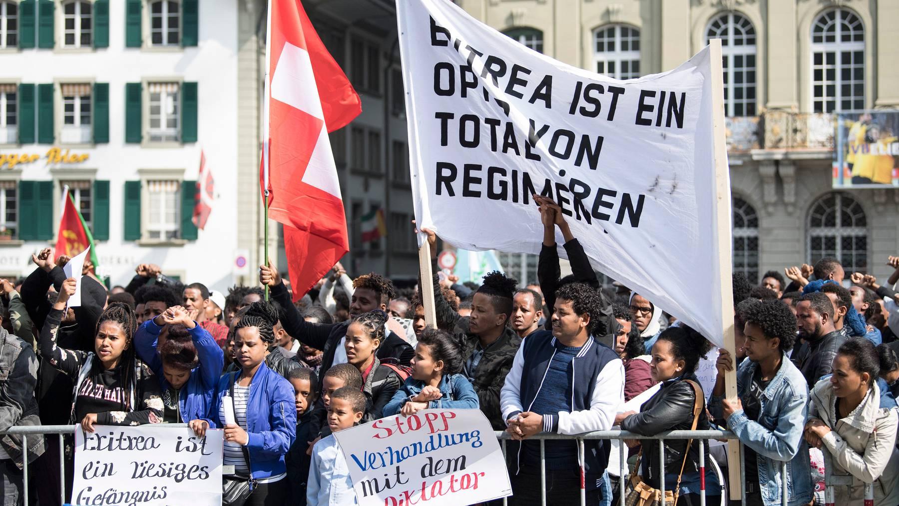 Eritreer demonstrieren in der Schweiz.