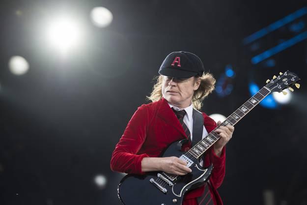 Er hat die Gitarre im Griff