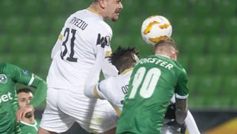 Stephen Odey (verdeckt) erzielt per Kopf die 1:0-Führung für den FC Zürich