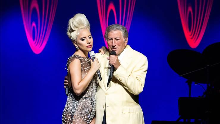 Tony Bennett und Lady Gaga bei ihrem Auftritt am 49. Montreux Jazz Festival.Marc Ducrest